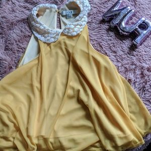 Cute yellow blouse with floral collar